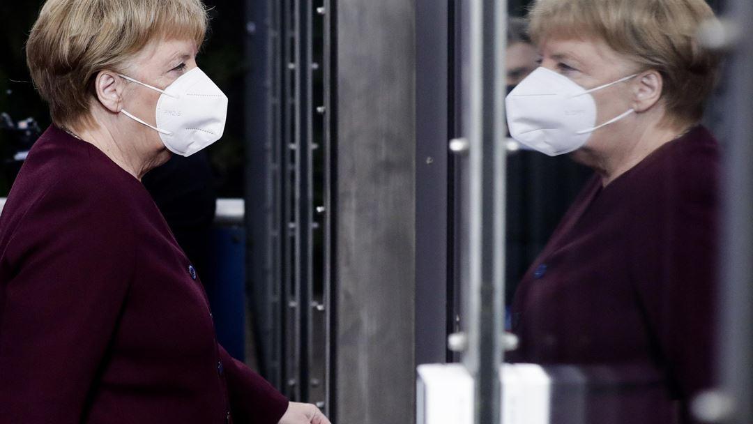 Angela Merkel reconheceu que as medidas a aplicar são particularmente duras. Foto: Olivier Hoslet/EPA