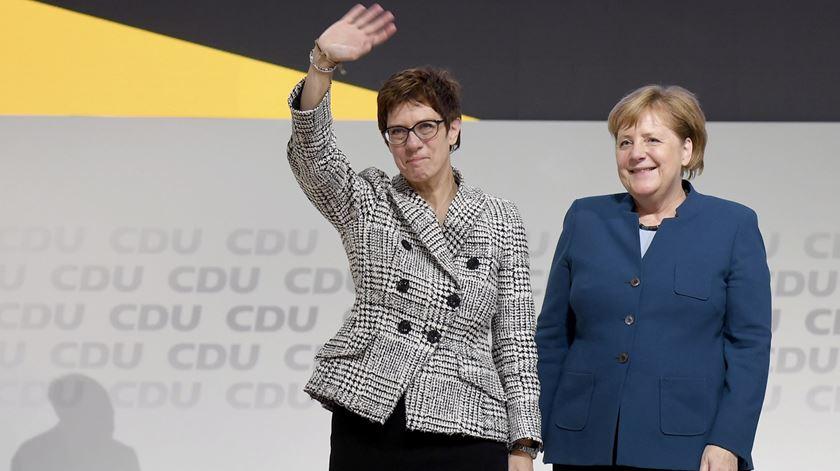 Annegret Kramp-Karrenbauer sucede a Angela Merkel na lideranca da CDU. Foto: Clemens Bilan/EPA