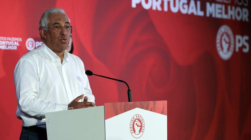 """António Costa """"felicitou todo o partido"""" pela vitória nas autárquicas"""