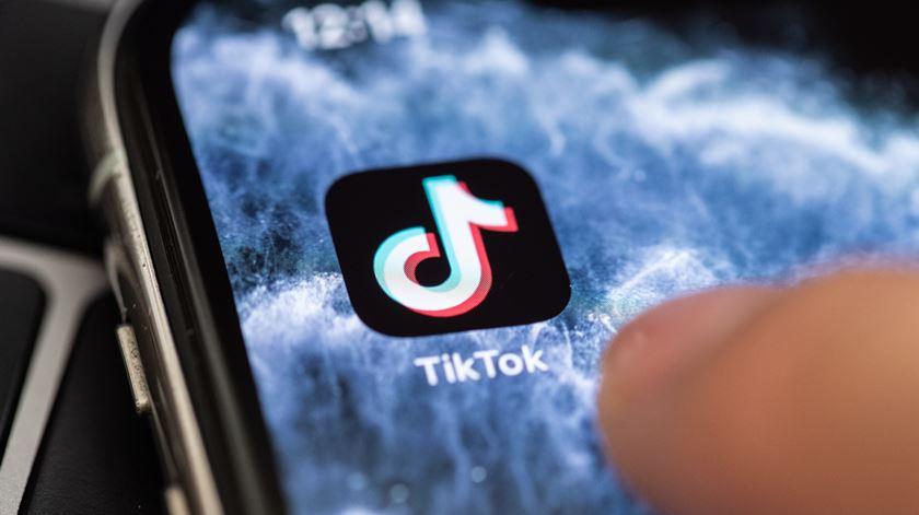 """TikTok anuncia acordo com Oracle e Walmart. """"Fantástico"""", diz Trump"""