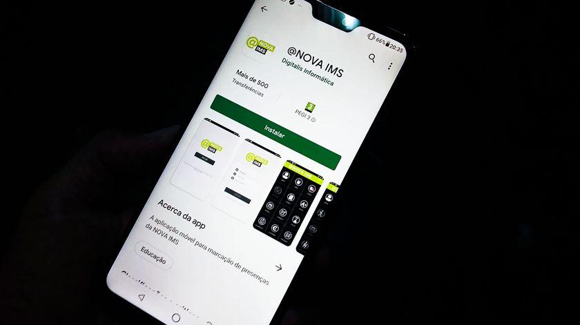 """NOVA IMS começou por declarar uso """"obrigatório"""" da app, mas entretanto passou apenas a """"incentivar"""" utilização. Foto: Joana Gonçalves/RR"""
