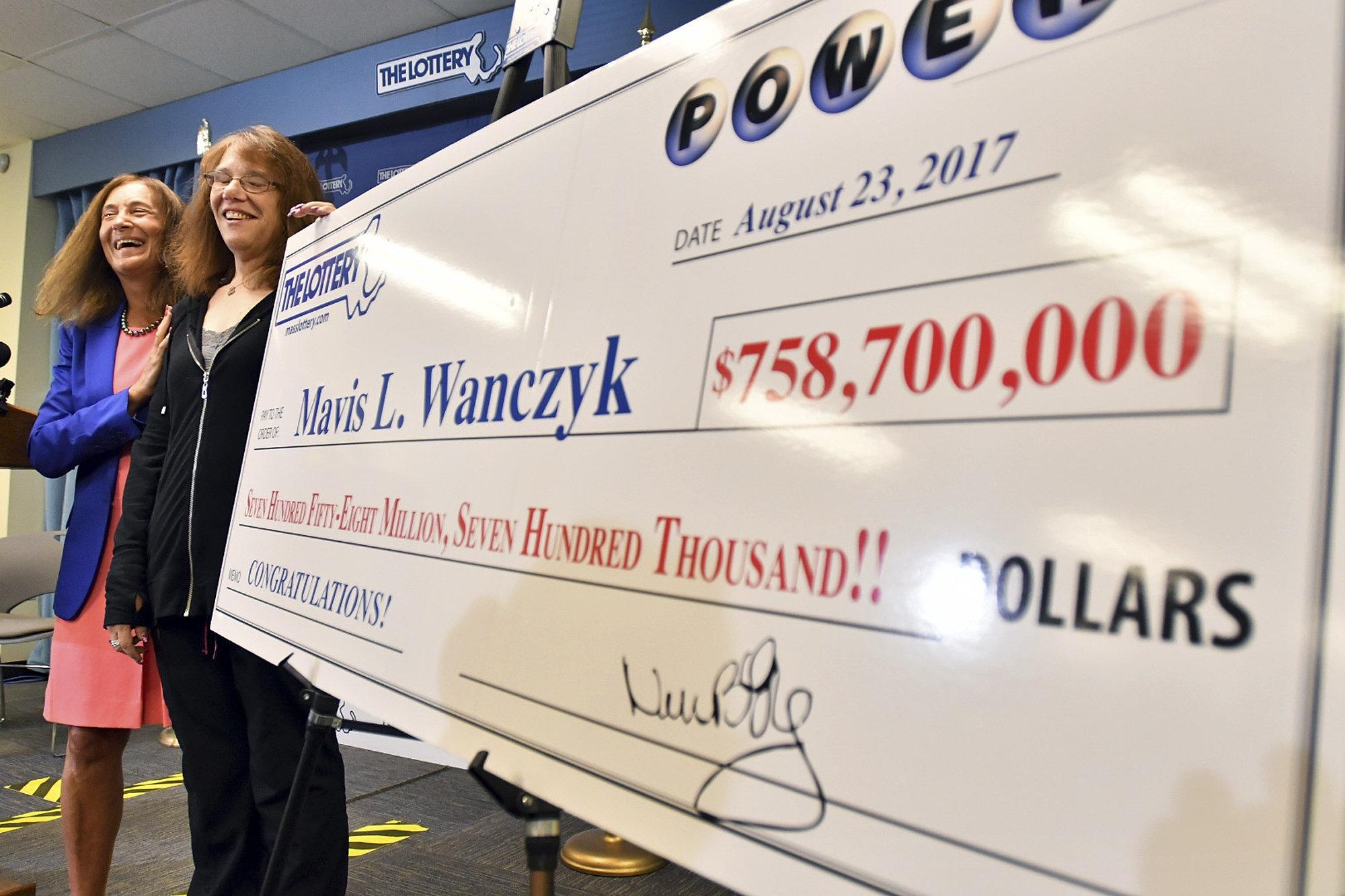 Mulher fatura sozinha maior prêmio da história das loterias: US$ 758 mi