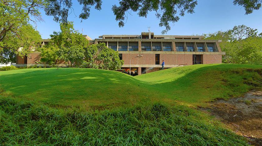 Centro de Planeamento Ambiental e Tecnologia, em Ahmedabad. Foto: VSF