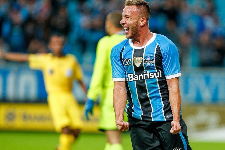 Após reunião na Arena, Grêmio encaminha venda de Arthur ao Barcelona
