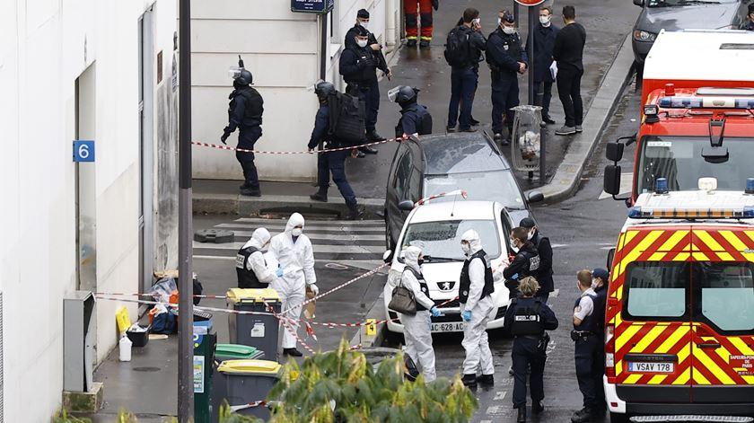 """Suspeito do ataque junto ao """"Charlie Hebdo"""" acusado de """"tentativa de homicídio"""""""