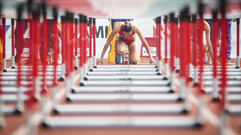 Mundiais de atletismo de 2021 remarcados para 2022
