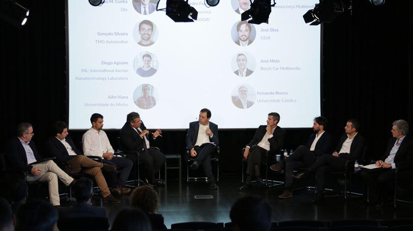 """A apresentação do projeto de transformação digital automóvel """"Smart Interiors"""", no auditório do Grupo Renascença Multimédia. Foto: Joana Gonçalves/RR"""