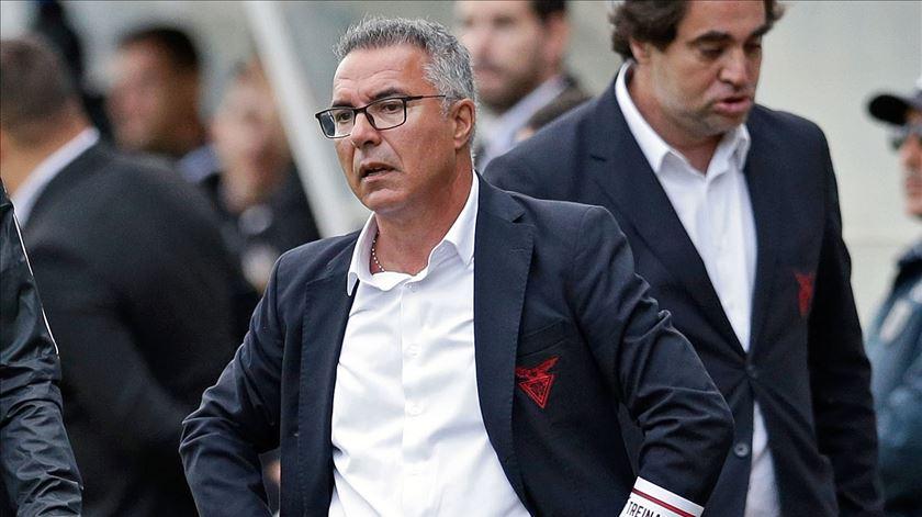 Inácio já não é treinador do Aves