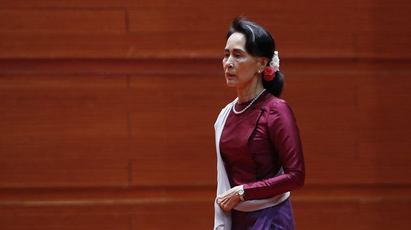 Aung Suu Kyi. Quem é a Nobel da Paz acusada de esquecer os direitos dos rohingya?