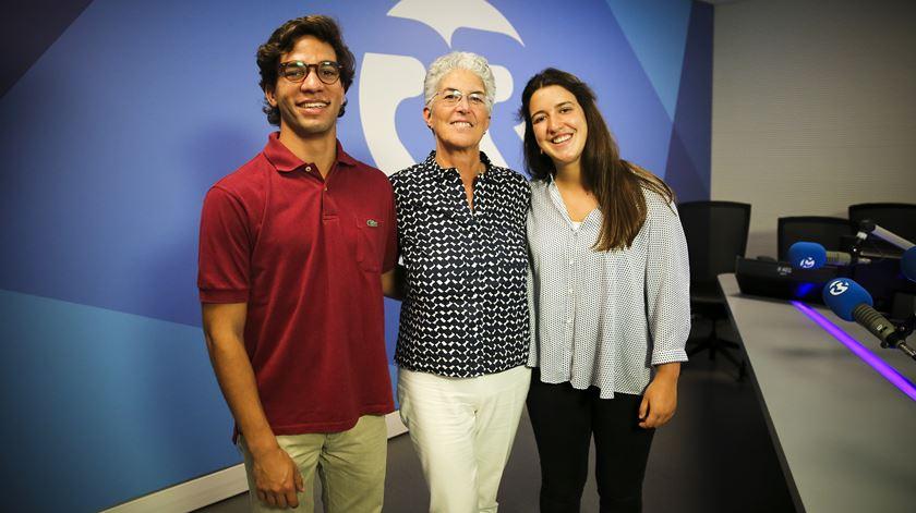 Aura Miguel convida dois voluntários de Pedrogão - 23/07/2017