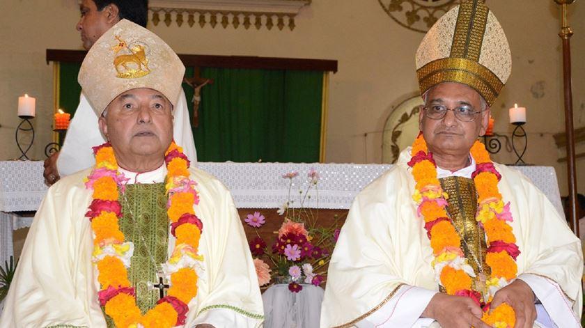 Arcebispos Moses Costa e Patrick D