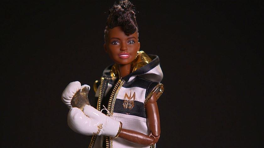 Barbie lança boneca pugilista no Dia da Mulher