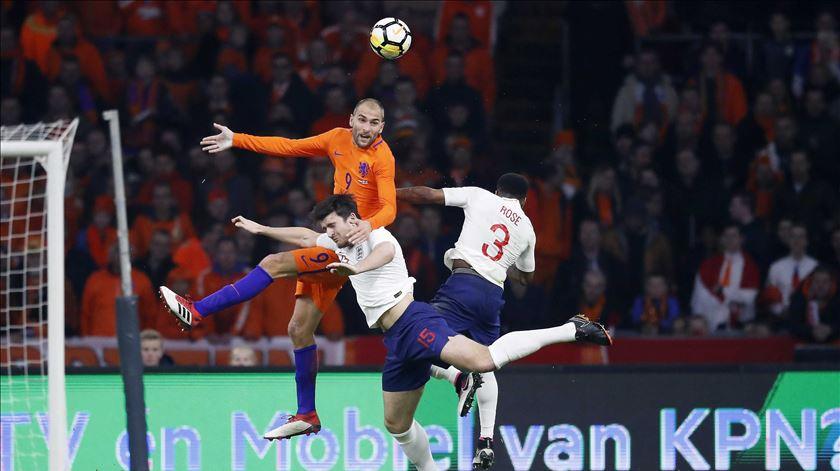 O jogo com Inglaterra foi o último de Bas Dost pela seleção da Holanda. Foto: EPA