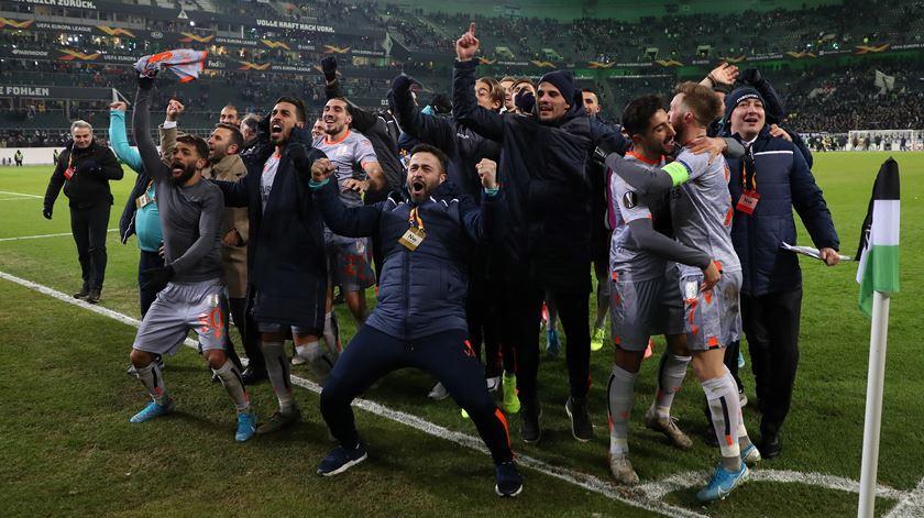 Adversário do Sporting na Liga Europa goleia