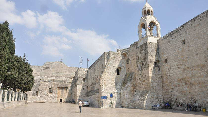 """Católicos pedem que Israel autorize entrada a quem """"é necessário para a vida da Igreja"""""""