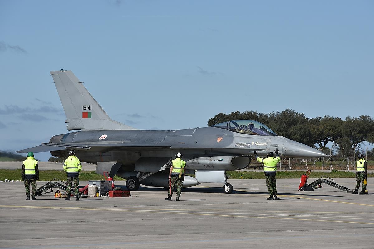 Doze militares da Força Aérea detidos por suspeita de corrupção