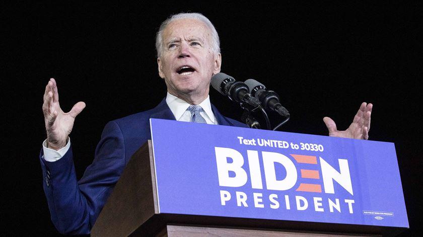 """Esta campanha vai obrigar Donald Trump a fazer as malas"". Biden vence super terça-feira"