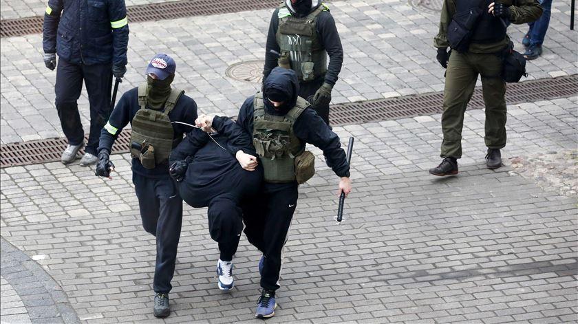 Protestos continuam na Bielorrússia, meses depois das eleições que a oposição considera terem sido fraudulentas. Foto: STR/EPA