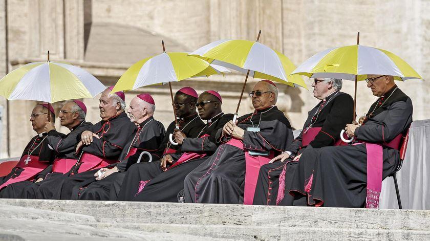 """Bispos e cardeais têm documento para """"aprender a despedir-se"""""""