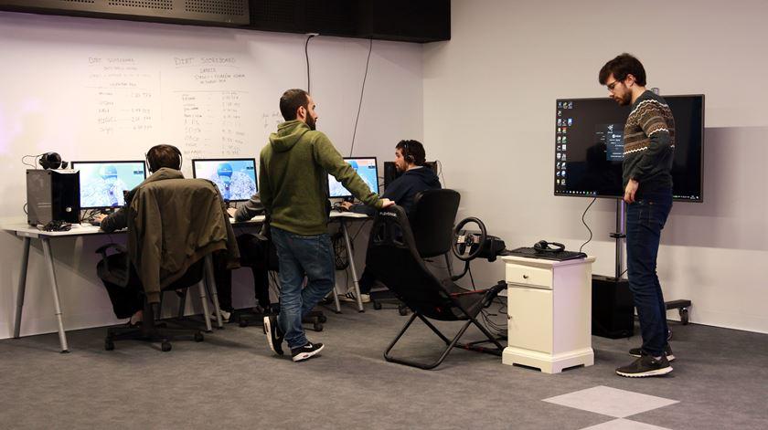 """Trotinetes, vídeojogos e pufes no escritório? """"Não é por isso que deixamos de trabalhar"""""""