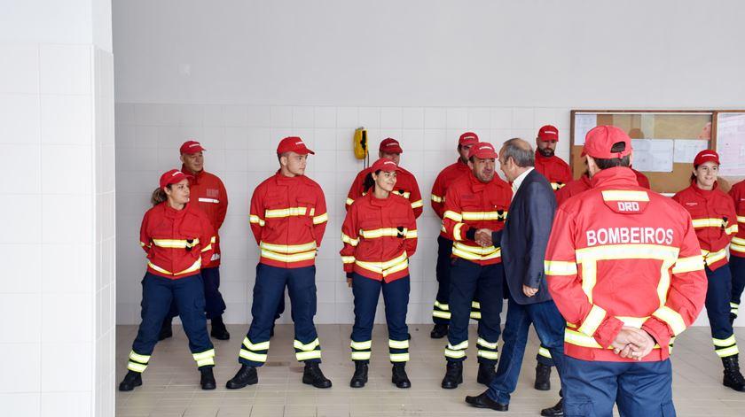 """""""Os bombeiros merecem"""". Vila Pouca de Aguiar dá regalias aos voluntários"""