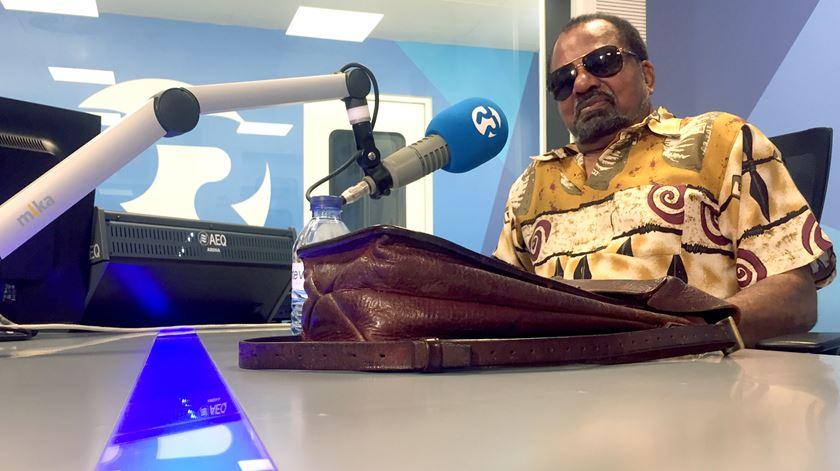 """Bonga espera que MPLA não tenha """"a maioria absoluta ridícula dos últimos anos"""""""