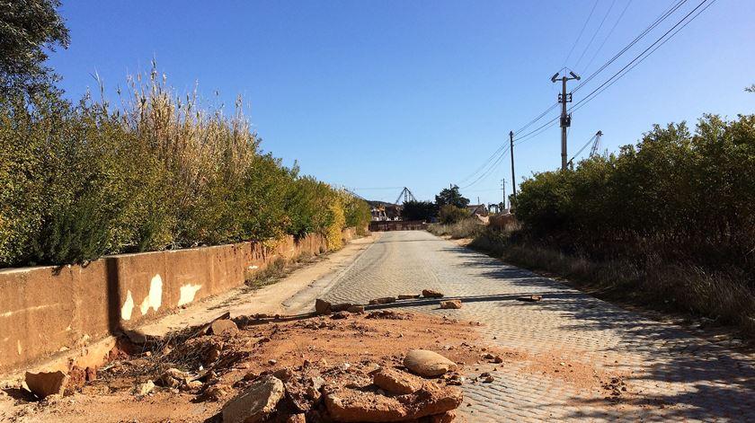 Derrocada em Borba. Governo diz que não há condições para reabrir estrada em segurança