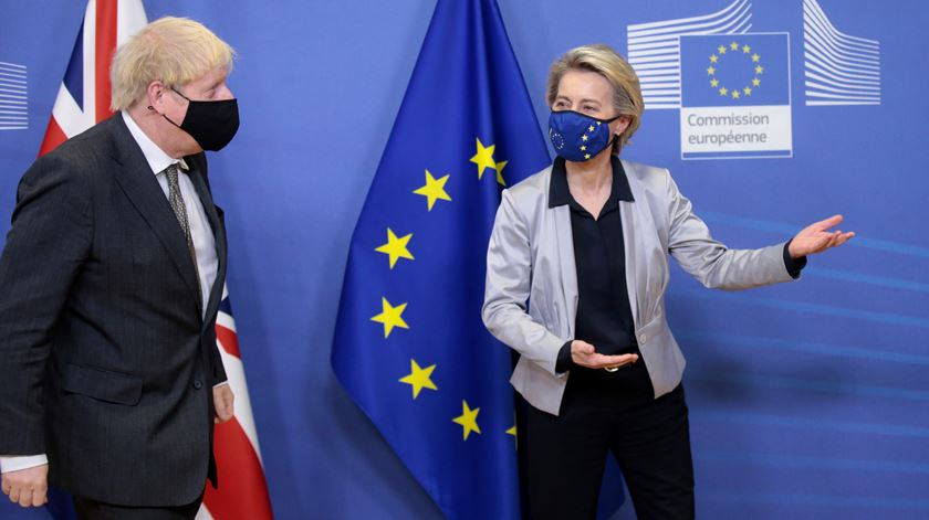 Ursula Van der Leyen recebeu Boris Johnson na quarta-feira. Foto: Olivier Hoslet/EPA