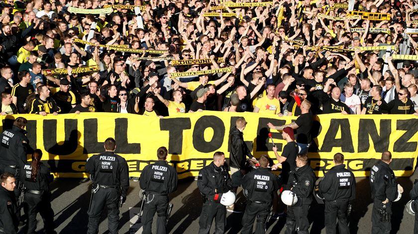 Covid-19. Alemanha mantém estádios de futebol sem público até final de 2020