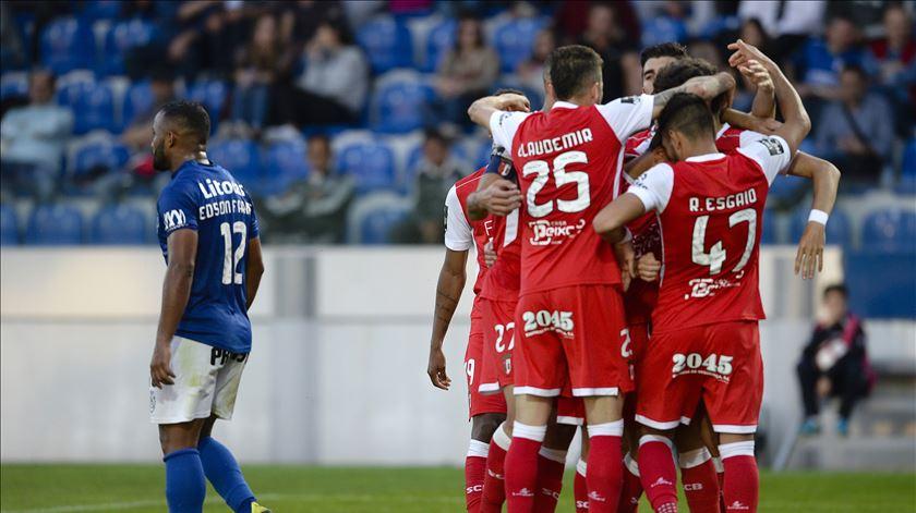 Braga vence Feirense e mantém pressão sobre o Sporting