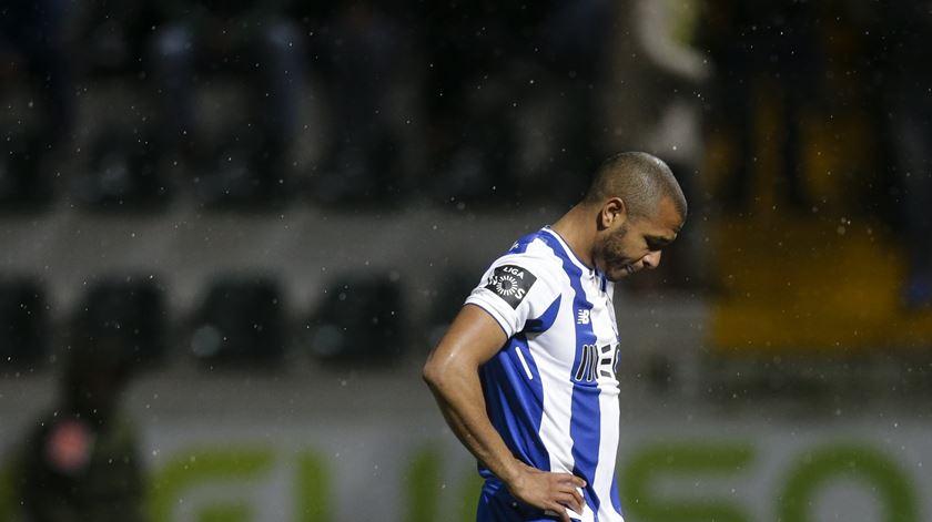 Benfica formaliza queixa contra Brahimi