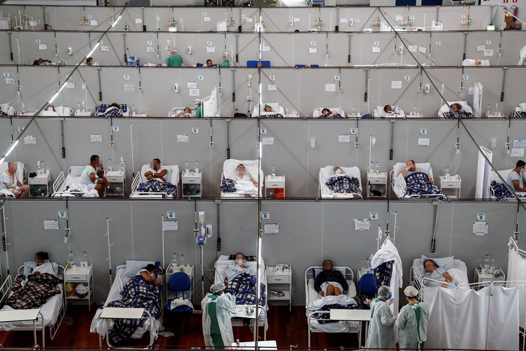 Segunda vaga atinge menores de 40 anos. Foto: Sebatião Moreira/ EPA