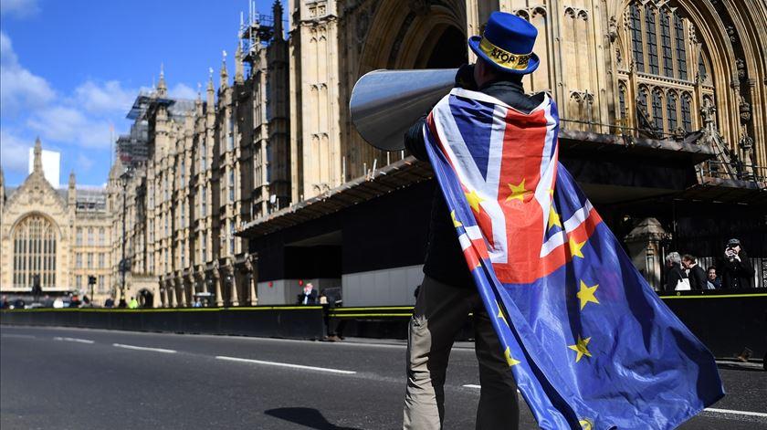 Estará o Brexit a levar os britânicos à loucura?