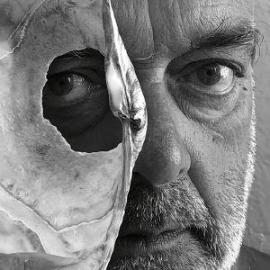 O olhar inquieto de Pedro Cabrita Reis para ver em Serralves