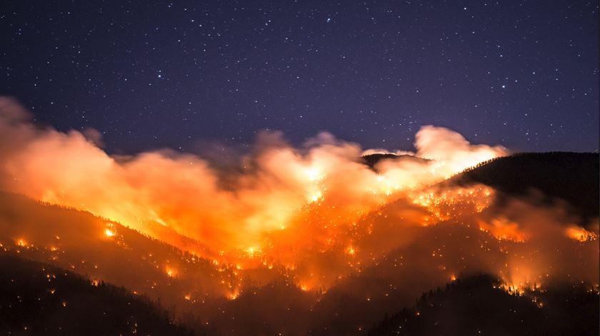Podem os incêndios ser uma obra de arte? Este fotógrafo acha que sim (e tem provas)