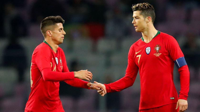 Ronaldo e Cancelo são as duas novas contratações da Juve. Foto: Denis Balibouse/Reuters