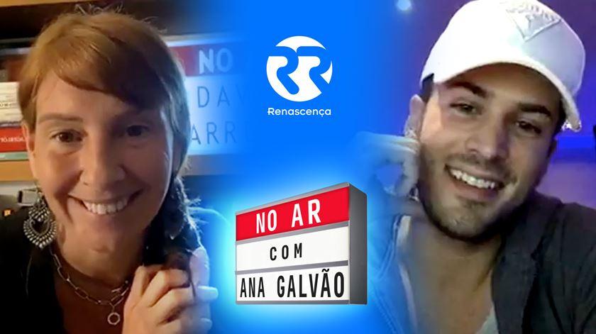 """""""Nunca pensei dar uma entrevista à Renascença de pijama"""". David Carreira """"No Ar"""" com Ana Galvão"""