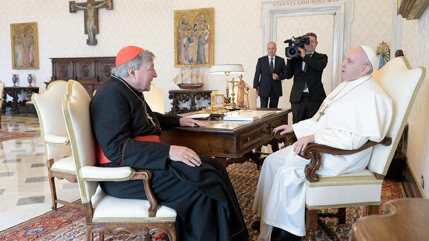 Papa recebe Cardeal George Pell e agradece o seu testemunho