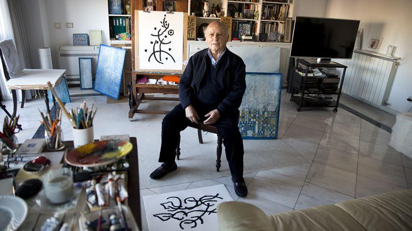 O painel de azulejos que Manuel Cargaleiro ofereceu à Renascença