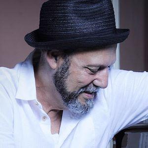 Carlos Mendes apresenta novo espetáculo em Lisboa e no Porto