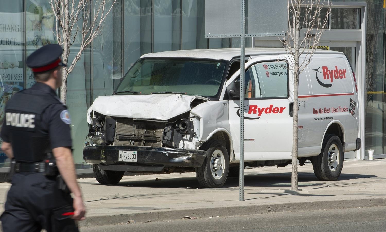 Polícia detém condutor que atropelou uma dezena de transeuntes em Toronto