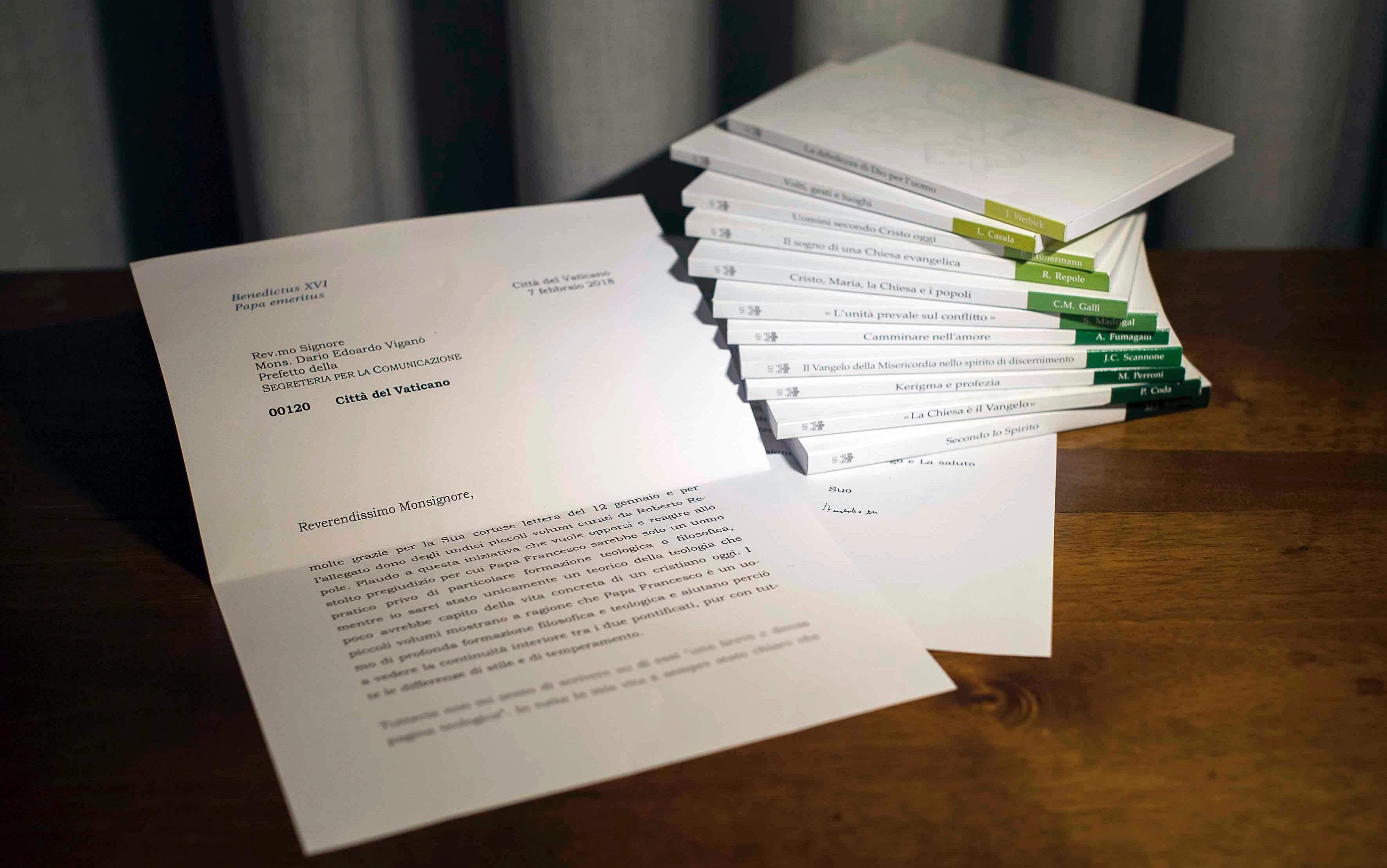 Secretário do Vaticano renuncia após polêmica envolvendo carta a Francisco