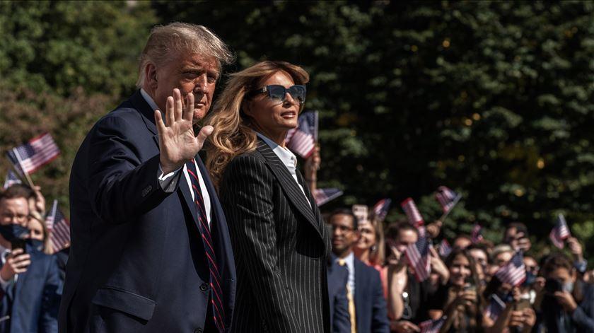 Infetado com Covid-19, Donald Trump recorre a tratamento experimental