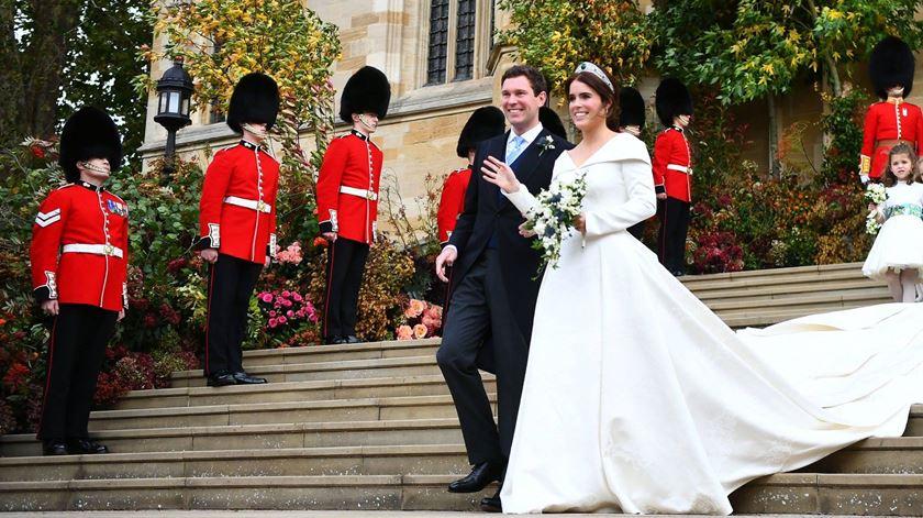 Princesa Eugenie e Jack Brooksbank casaram-se hoje, em Windsor