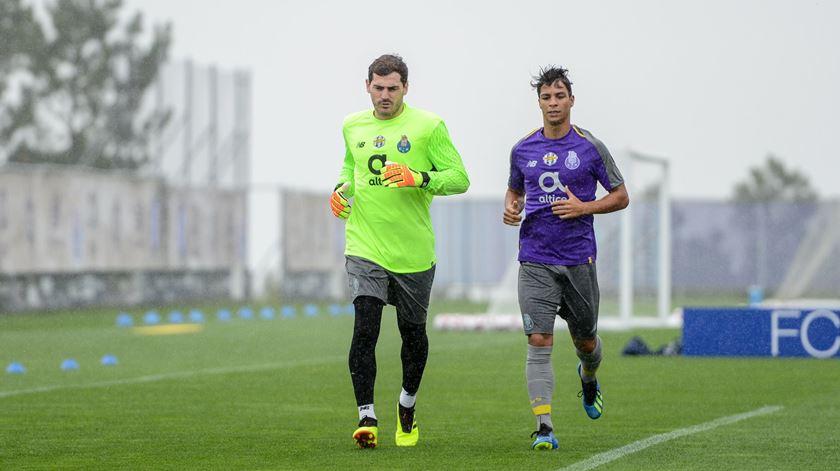 Casillas regressa aos treinos do FC Porto e continua sem ver Bazoer