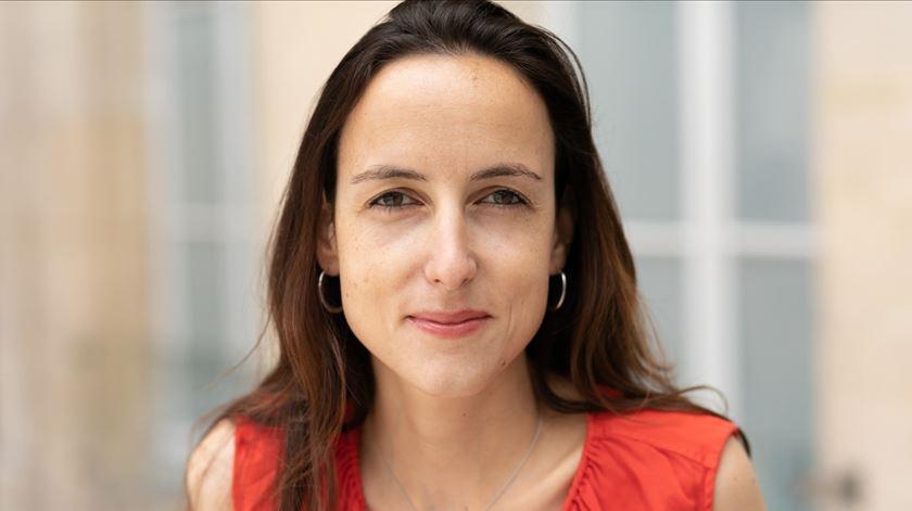 Julia Cagé, professora universitária e investigadora da área das economia dos média. Foto: página web de Julia Cagé