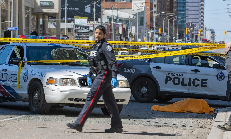 Motorista de van atropela e mata 9 pessoas na cidade de Toronto