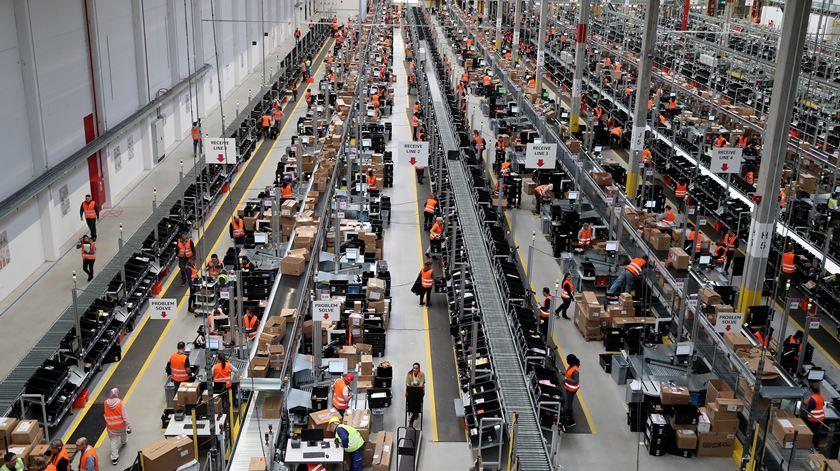 Centro logístico da Amazon em Dortmund, na Alemanha. Foto: Friedemann Vogel/EPA
