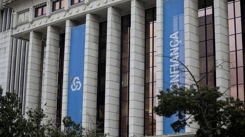 Governo cria contribuição adicional sobre a banca e espera arrecadar 33 milhões