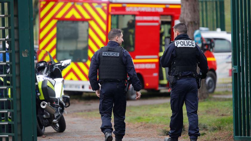 Paris. Ataque com faca faz um morto e dois feridos graves